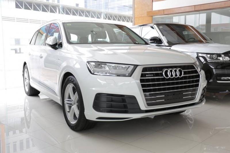 Audi Q7 white 2016 full