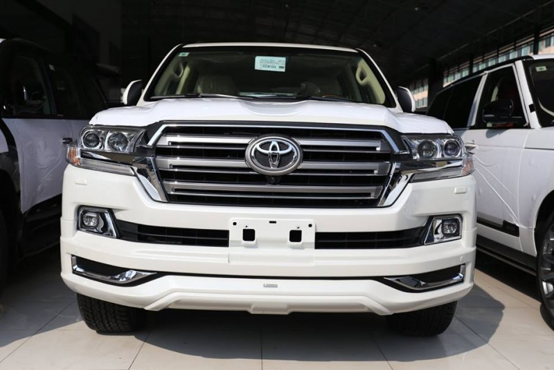 TOYOTA LAND CRUISER GXR 2016