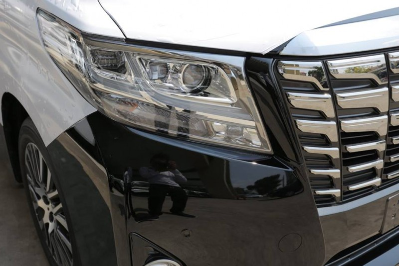 TOYOTA Alphard Executive Lounge 2016