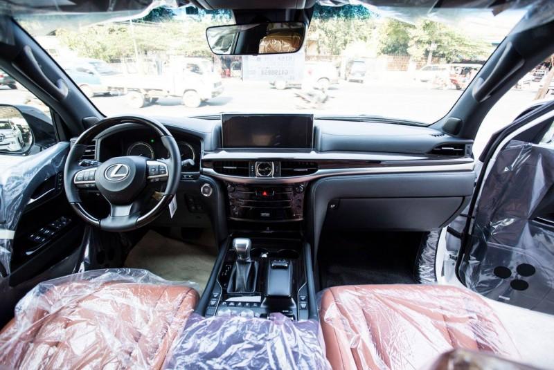 Lexus LX 570 SportPlus 2016