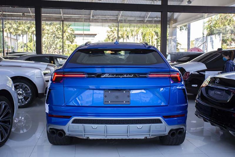 2021 Lamborghini Urus Blue