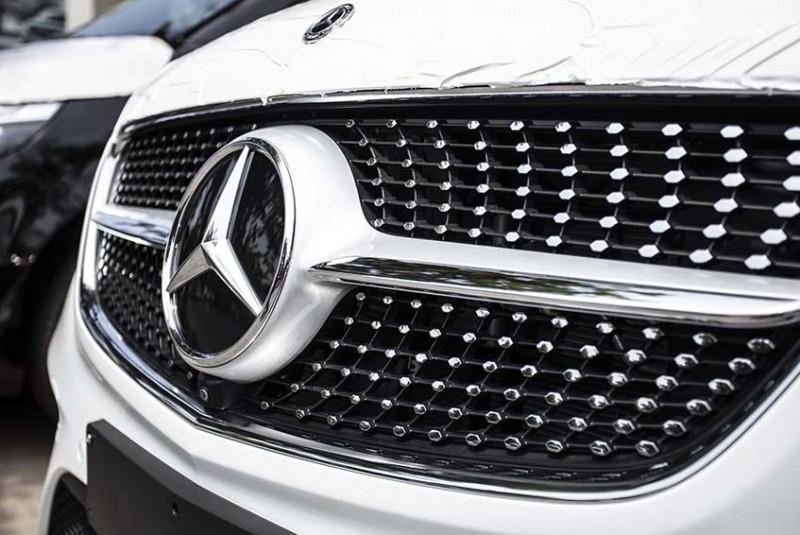 2020 Mercedes-Benz V250 white